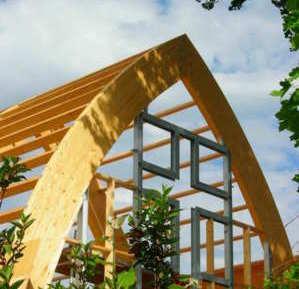 De aanbouw van de kerk lijkt wel een omgekeerde Ark van Noach