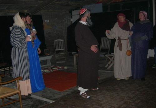 Jozef en Maria vragen onderdak aan de herbergier