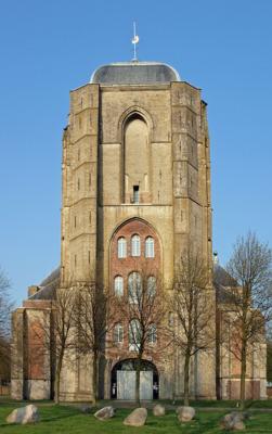 De toren van de Grote Kerk in Veere had veel langer moeten zijn.
