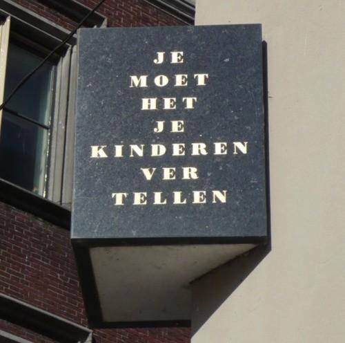 Je moet het je kinderen vertellen. Dit motto geldt niet alleen het Joodse monument in Dordrecht, ook het doorvertellen van bijbelverhalen aan kinderen.