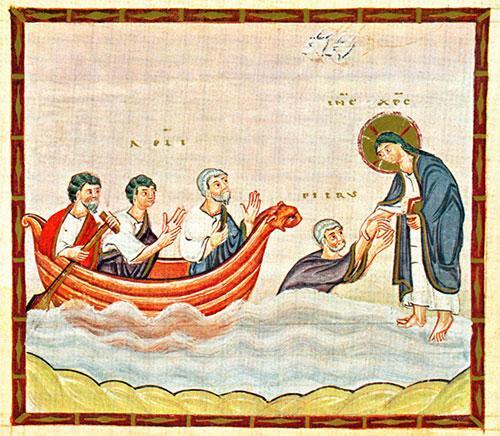 Jezus staat op het water en steekt zinkende Petrus een hand toe. In een bootje zitten 3 dicipelen.