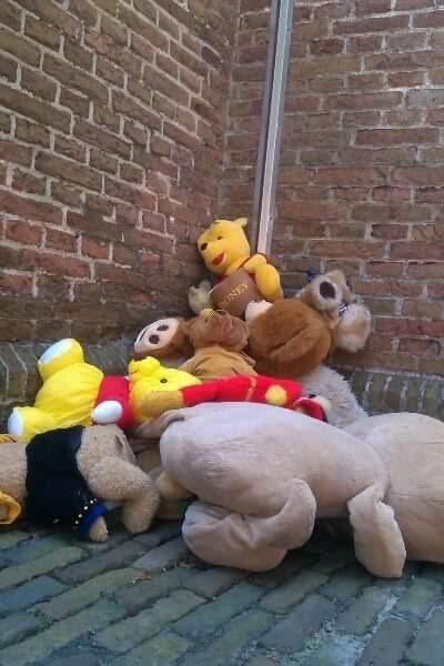 Stapel met knuffelberen